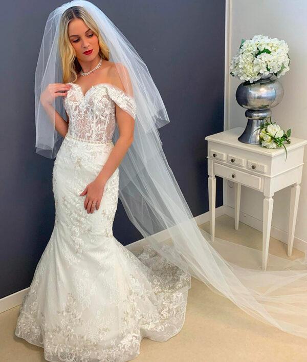 abito da sposa azzurra